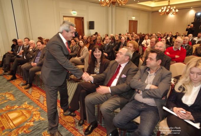 O κ. Γ. Χατζημάρκος, Περιφερειάρχης Νοτίου Αιγαίου, εισέρχεται στην εκδήλωση