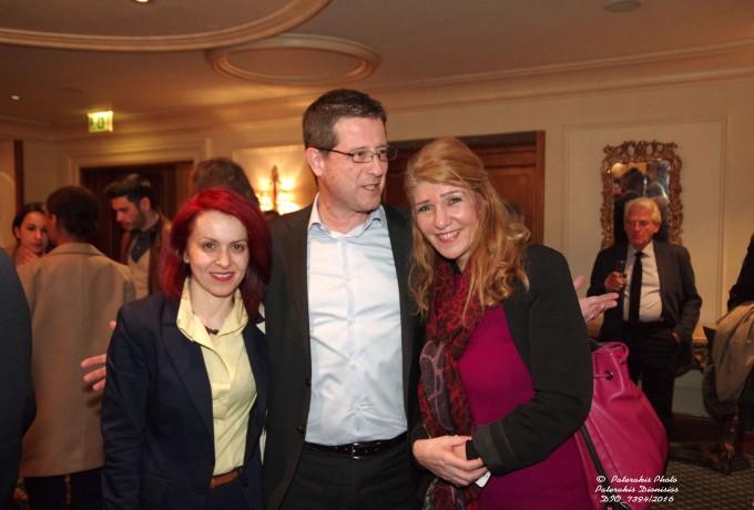 Ο Γ.Γ. Τουριστικής Πολιτικής και Ανάπτυξης, κ. Γ. Τζιάλλας με την κα. Μ. Αλιφραγκή, Μέλος του ΔΣ του ΗΑΤΤΑ  και την κα. Μ. Σιγανού συνεργάτιδα Δ/ντριας Γρ. Υπουργού Τουρισμού