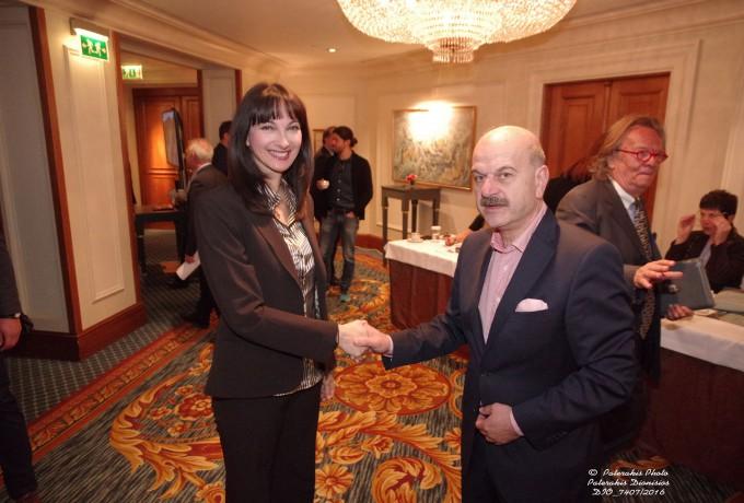 Ο Πρόεδρος της FEDHATTA, κ. Λ. Τσιλίδης υποδέχεται την Αν. Υπουργό Τουρισμού κα. Ελ. Κουντουρά
