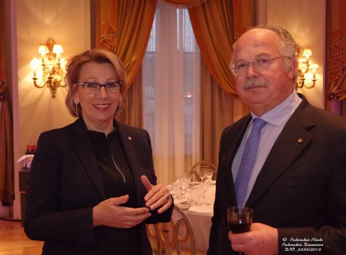 Η κα Τζένη Λιάγκα, Cosmoroes με τον κ. Βασίλη Κοντό, Μέλος ΔΣ ΗΑΤΤΑ