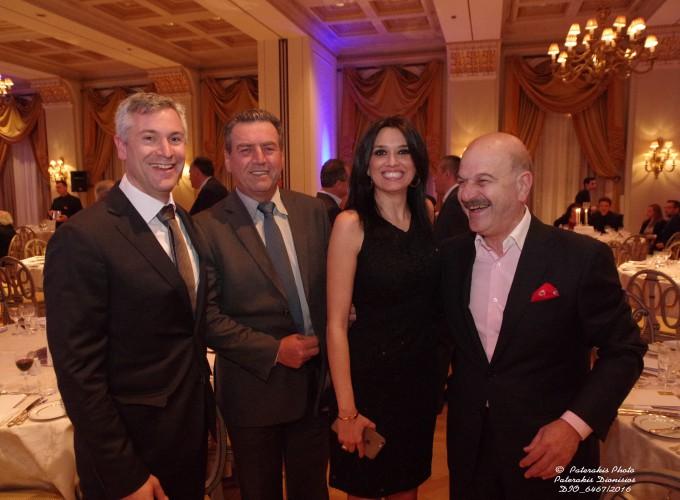Ο κ. Β. Ρήγας και κ. Θ. Μάντζιος  από το Heraklio Travel, η κα Γιώτα Τρυγώνη, Γραμμ. Τουρισμού ΑΝΕΛ και ο κ. Λ. Τσιλίδης, Πρόεδρος FEDHATTA