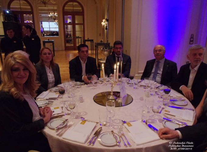 Η κα Μαρία Αλιφραγκή, Μέλος ΔΣ ΗΑΤΤΑ, ο κ. Γιώργος Καραχρήστος, Υπ. Τομέα Τουρισμού ΣΥΡΙΖΑ, ο κ. Β. Κοντός, Μέλος Δ.Σ. ΗΑΤΤΑ, ο κ. Σωκράτης Τσατσούλης
