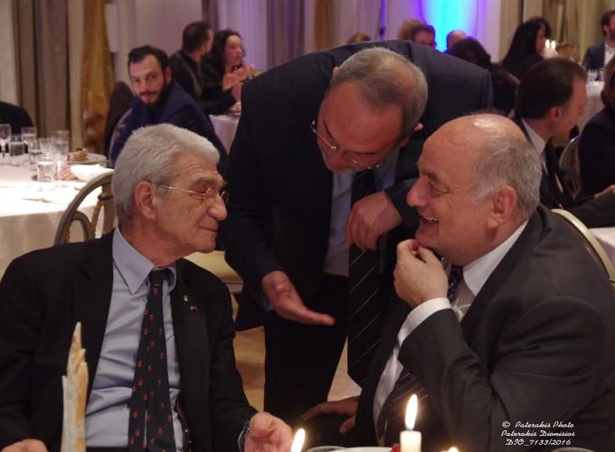 Ο κ. Γιάννης Μπουτάρης, Δήμαρχος Θεσσαλονίκης, ο κ. Στάθης Σκρέτας, Γ.Γ. FEDHATTA  με τον κ. Μιχάλη Ζορπίδη, Πρόεδρο Επαγγ. Επιμελ. Θες/κής