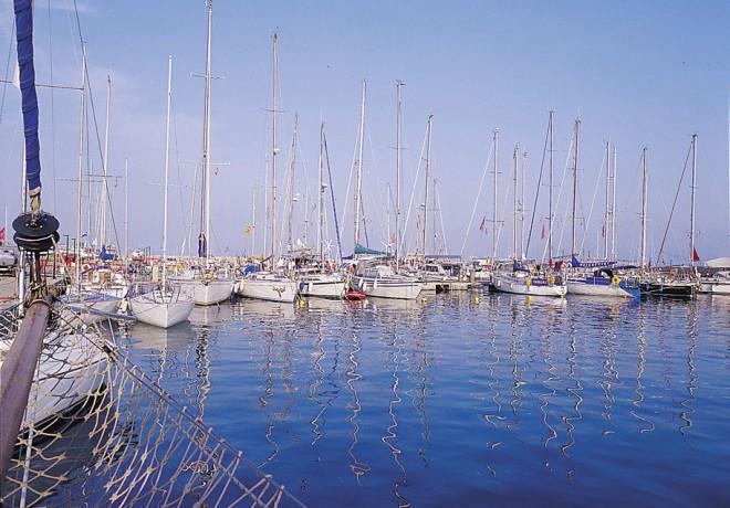 lasithi-marina4