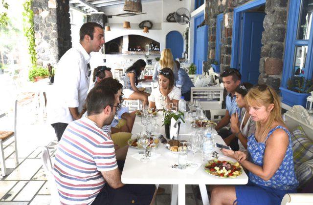 artemis-karamolegos-winery-santorini1