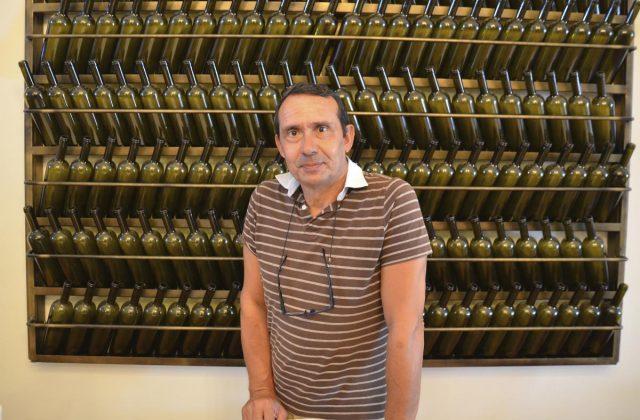 artemis-karamolegos-winery-santorini4